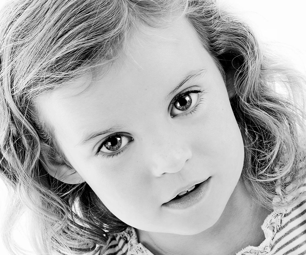 family portrait photo of young girl