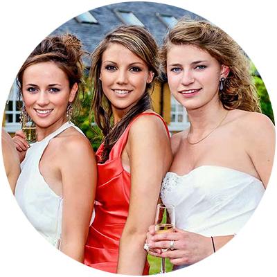 school prom girls
